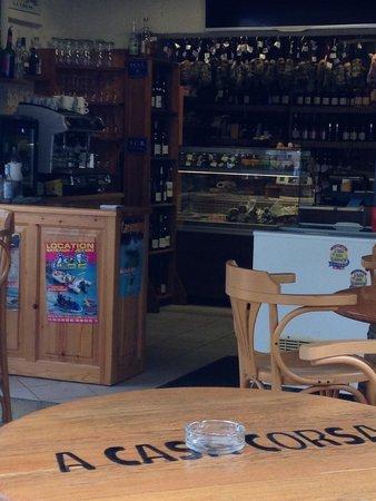 A Casa Corsa : Inside the shop (you can buy Corsican produce here too)