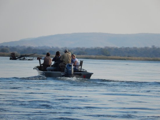 Kiambi Safaris: Boat cruise on the Zambezi