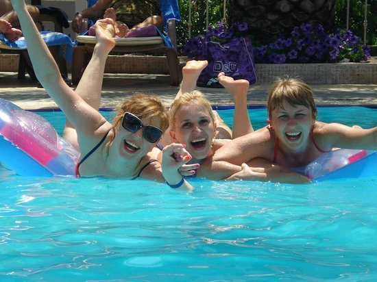 Romance Hotel Marmaris: We're having fun at the swimming pool