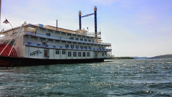Castle Rock Resort & Waterpark: Ride the Duck - Branson Belle Showboat