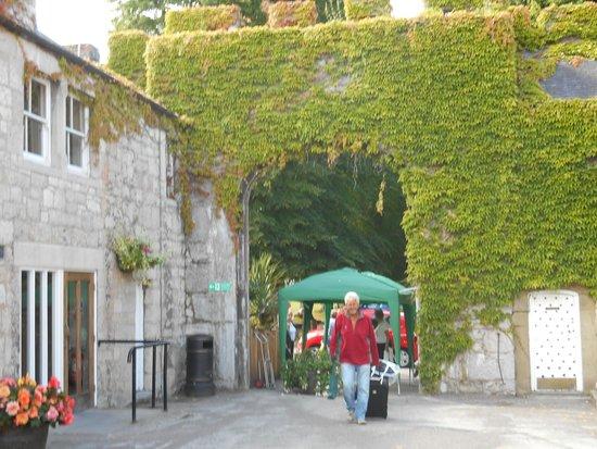 Warner Leisure Hotels Bodelwyddan Castle Historic Hotel : Entrance to Bodelwyddan Castle