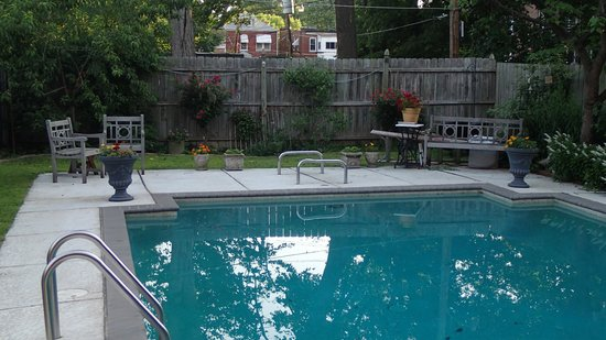Casa Magnolia Bed & Breakfast: very inviting pool!