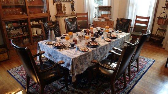 Casa Magnolia Bed & Breakfast : scrumptious breakfast!