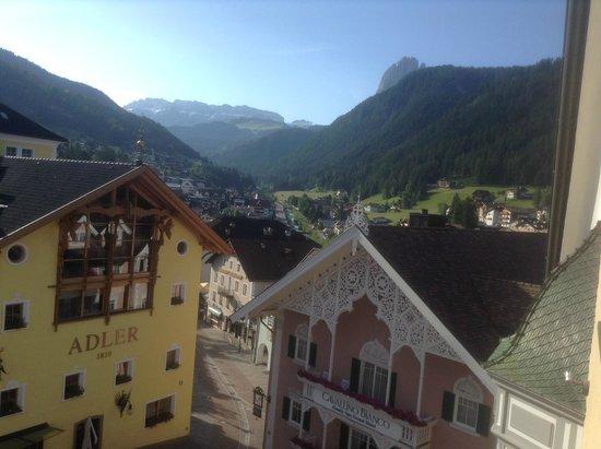 Hotel am Stetteneck: La vista sulla val Gardena