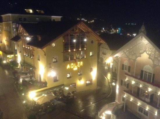 Hotel am Stetteneck: Ortisei by night