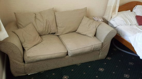 The New Sandygate Holiday Flats: Sofa bed