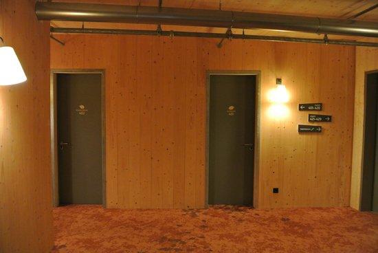 Raphael Hotel Waelderhaus: около лифта