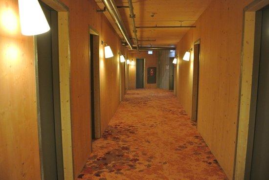 Raphael Hotel Waelderhaus: в коридоре