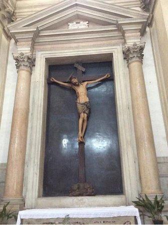 San Giorgio Maggiore: Crucifix near entrance