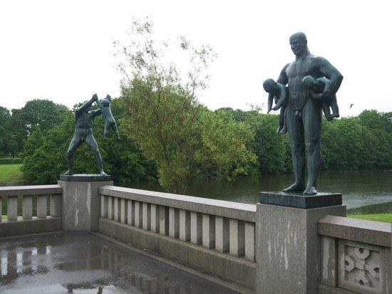 Museo de Vigeland: Парк скульптур Вигеланда .Мост
