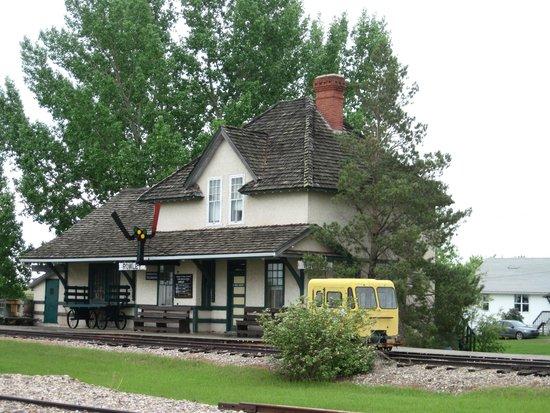 Rowley--Ghost Town : Rowley Alberta Train Station