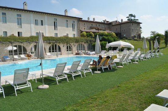 Chervo Golf Hotel Spa & Resort : Piscina y jacuzzi