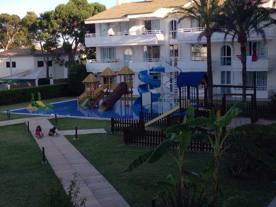 Hoposa Hotel & Apartments Villaconcha: New kids pool area .. My 2 loved it!!