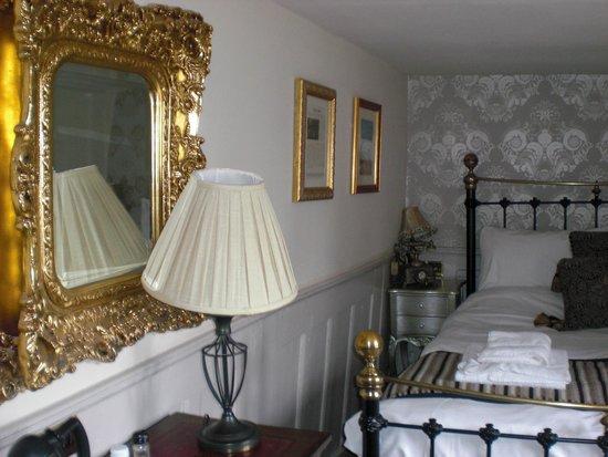 The Crown Inn: room #2