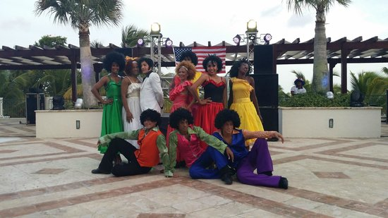 Sanctuary Cap Cana by Playa Hotels & Resorts: 70's Dancers for 4th of July Party
