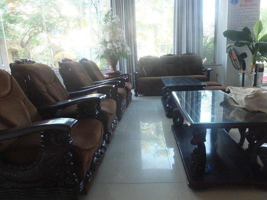 Camellia NhaTrang Hotel : хол