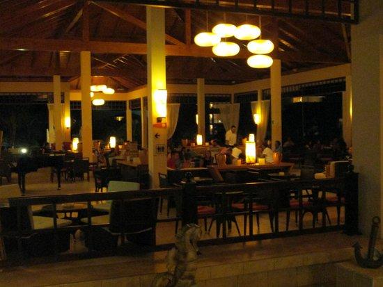 Pestana Cayo Coco All Inclusive: Bar du Lobby