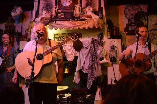 Johnnie Fox's Pub: The band