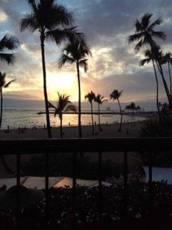 Hilton Hawaiian Village Waikiki Beach Resort: first sunset