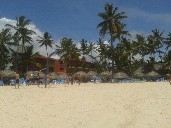 Tropical Princess Beach Resort & Spa : Más habitaciones y zona playa