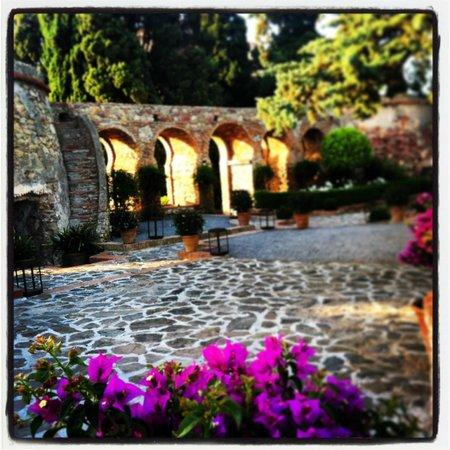Hotel Castillo de Santa Catalina: Jardin fortaleza