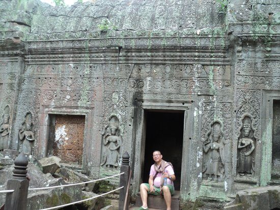 Ta Prohm: resting on ancient temple room