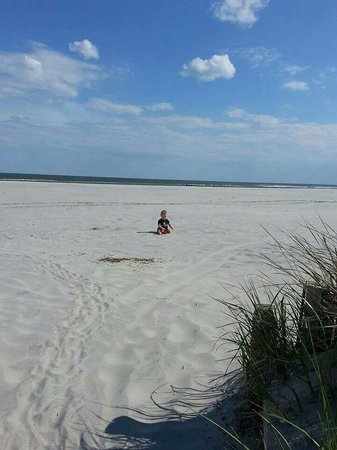 Howard Johnson Wildwood Boardwalk: Zayden on the Beach..