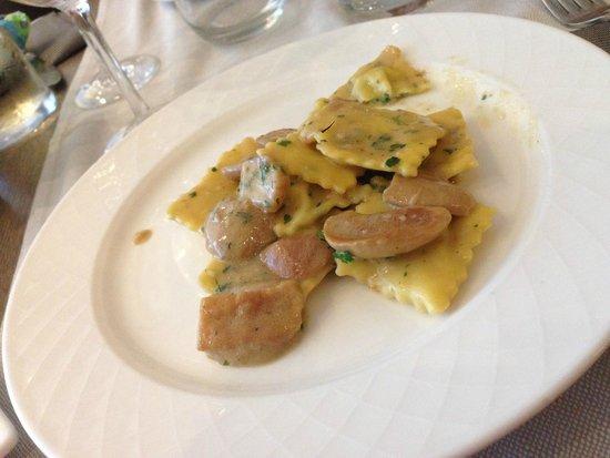 Hotel San Marco: Caramelle con ripieno di ricotta, ai funghi