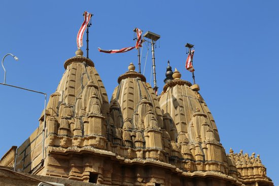 Jain Temples : The top of the Jain Temple: you cen see it also from far, outside the Fort.
