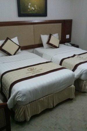 Golden Rose Hotel : ห้องนอน