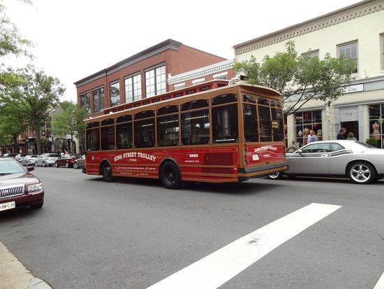 Old Town Waterfront: Free trolley rides!