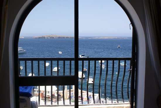 Gillieru Harbour Hotel : View from our window.