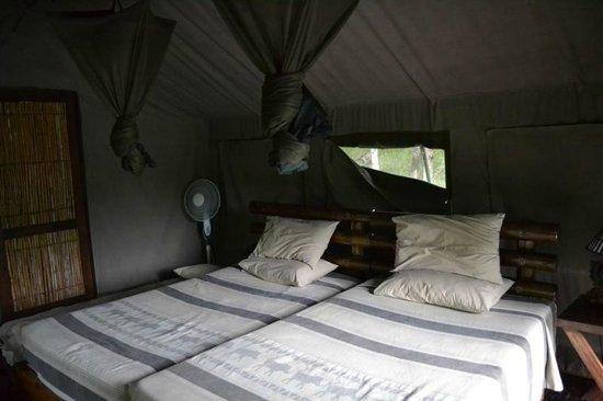 Mpila Camp : Main/bedroom area