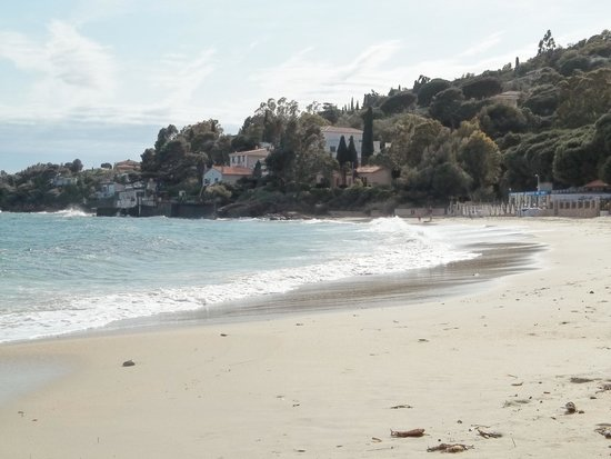 Hotel de la Plage : The beach in the cove