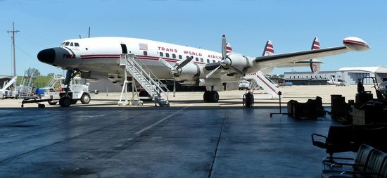 Airline History Museum: Connie steps