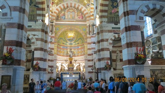 Basilique Notre Dame de la Garde: Interior da Basílica