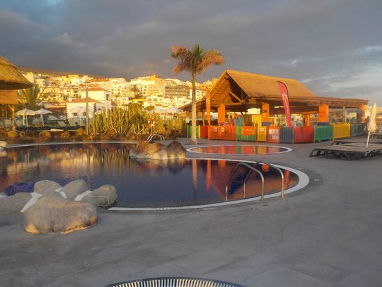 Barcelo Santiago : Kids Club/Pool
