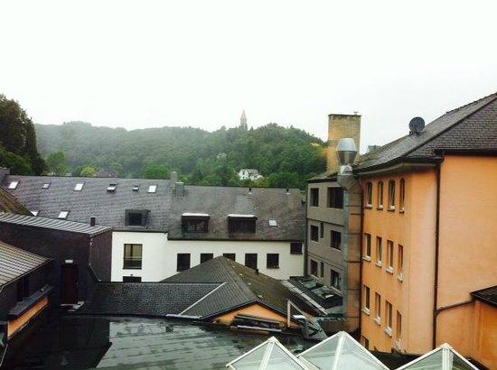 Hotel Koener : Vue de notre chambre sur les toitures