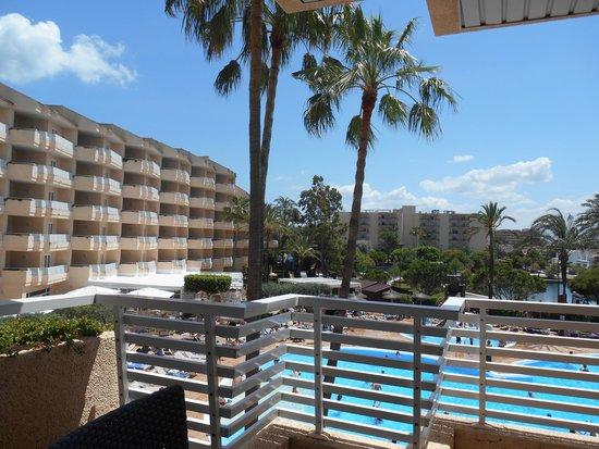 Grupotel Port d'Alcudia: Fra balkongen
