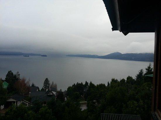 Apart Hotel Cabanas Balcon al Lago: Vista desde sala de estar 1