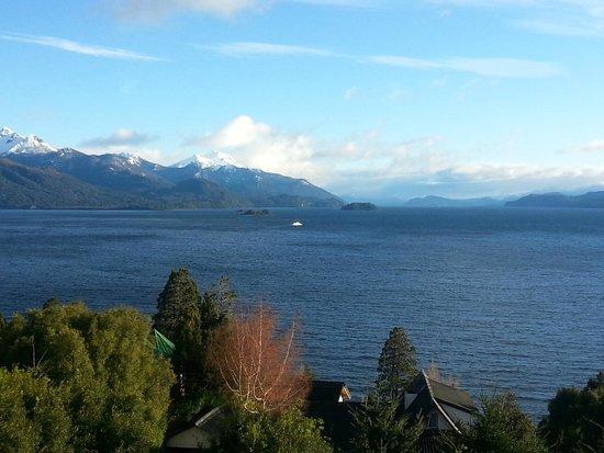 Apart Hotel Cabanas Balcon al Lago : Vista desde sala de estar 2