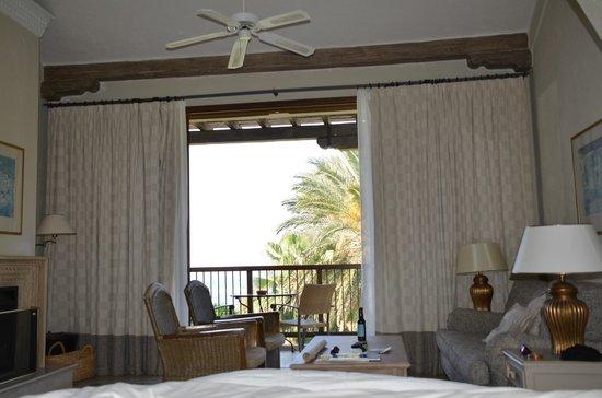 Columbia Beach Resort Pissouri: Executive suite