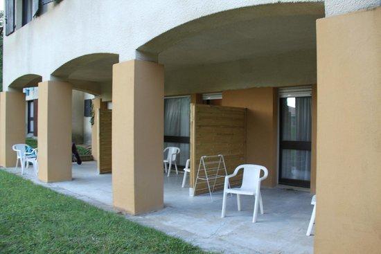 Club Domaine de Chateau Laval: patio