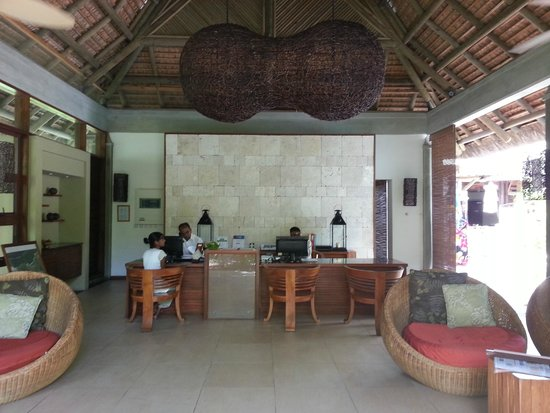 Emeraude Beach Attitude: Reception