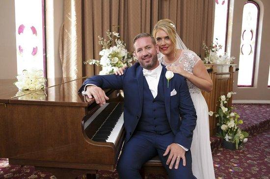 Vegas Weddings: The Chapel