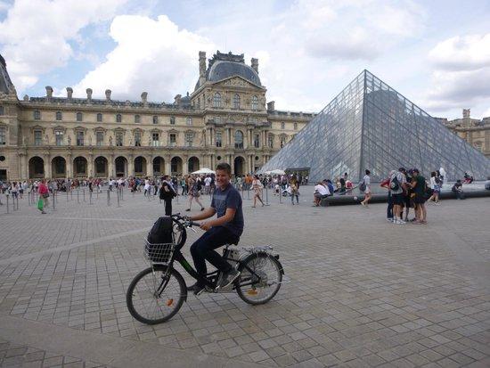 Paris Charms & Secrets Tours : 15 year old son lovin' this tour