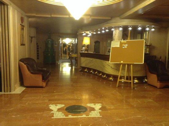 Olympic Regina Hotel: reception