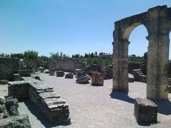 Grotte di Catullo : archi