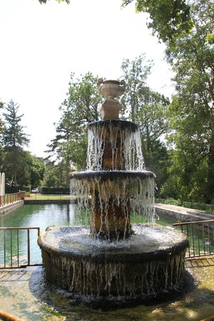 Club Domaine de Château Laval : fontana castello