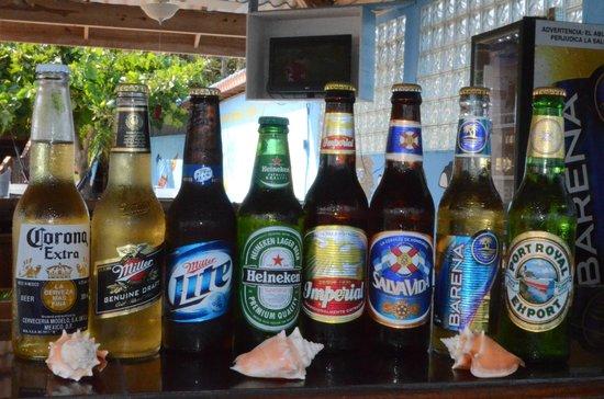 Caye Harbour Lodge: local & international beers